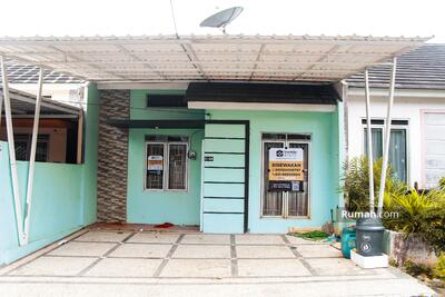 Disewa - 2BR Minimalist & Cozy House at Bukit Hijau Karawaci By Travelio