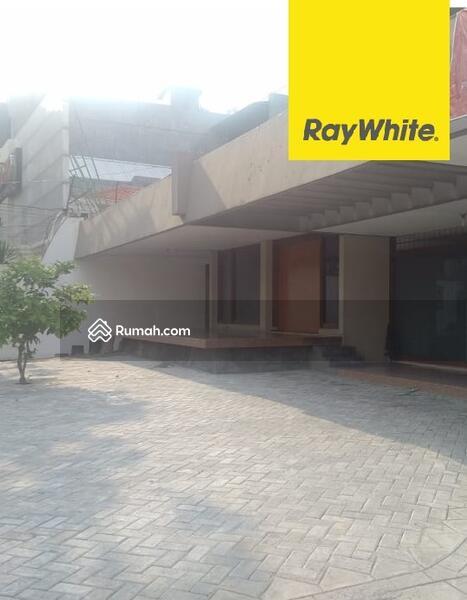 Rumah Pusat Kota Surabaya di Jl Kartini #101407328