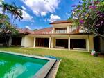 Dijual Rumah di Kemang  dalam cluster dengan swimming pool, bebas banjir