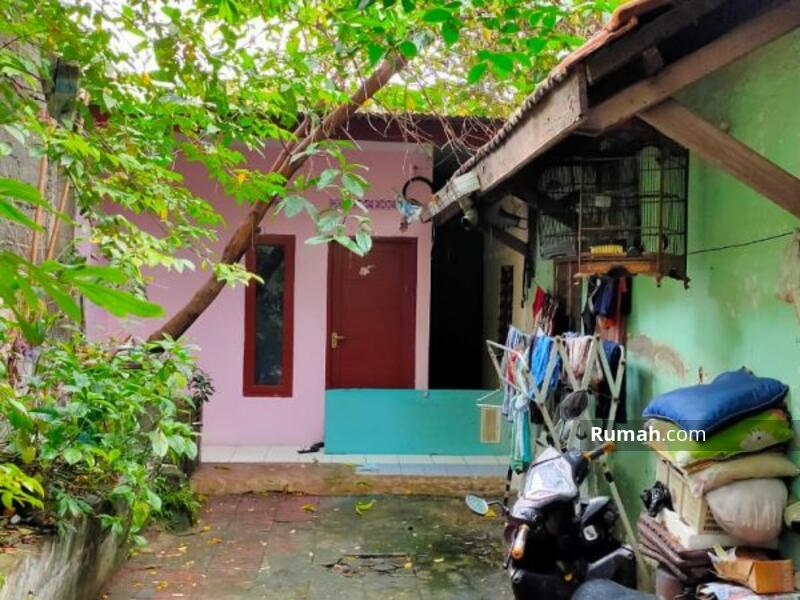 8 Kamar Rumah Kramat Jati, Asri dan Adem #101453694