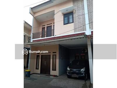 Dijual - Rumah bagus full furnished dlm cluster di Ciracas dkt tol Simatupang, rambutan Jakarta timur - Etty