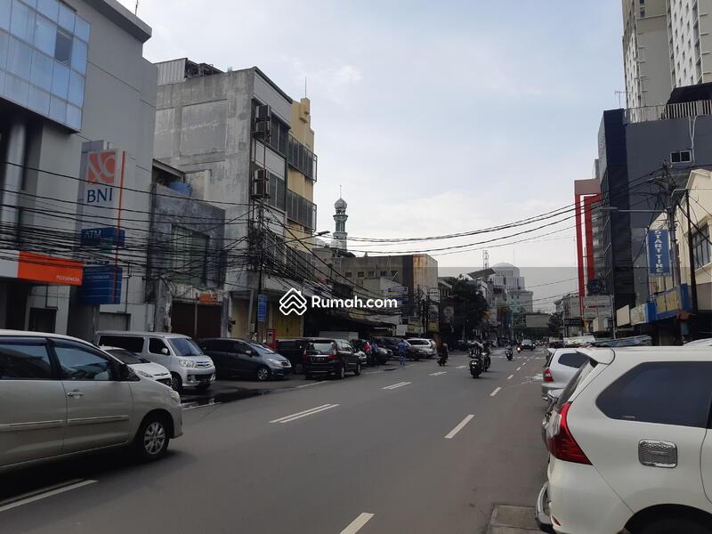 Ruang usaha LT 1120 m ada 2 pintu masuk di pecenongan Jakarta Pusat #101736432