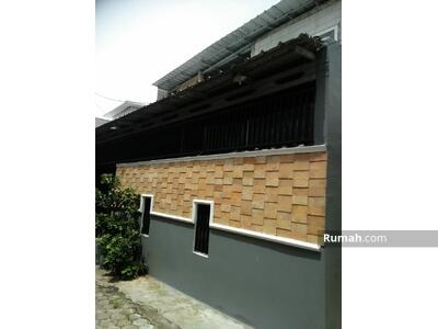 Dijual - Rumah dua lantai