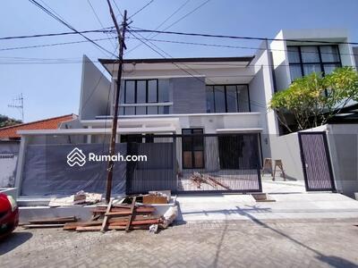 Dijual - Dijual Rumah Baru Gress Mewah di Manyar Surabaya