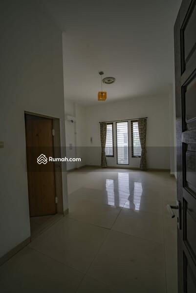 Rumah Sunter luas 300 m2, hadap timur lokasi strategis, 4 kamar tidur 2 1/2 lantai bebas banjir #101715020