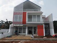 Dijual - Rumah Dijual Di Jatibening Dr. Ratna Pondom Gede, 3 Lantai Dengan Rooftop