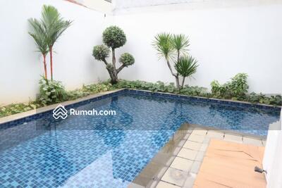 Dijual - Dijual Rumah Cluster Emerald  Mansion Lippo Cikarang Ada Swimming Pool Atau Kolam Renang