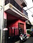 Rumah Kos2an Nempel Pintu Belakang UKI - RSA012104