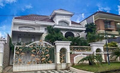 Dijual - Rumah Mewah Full Perabot Lokasi Dieng Kota Malang