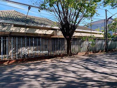 Dijual - Dijual Rumah Hitung Tanah Raya ManyarTompotika LT 1654 m2 Double Way Strategis Bebas Banjir Lin