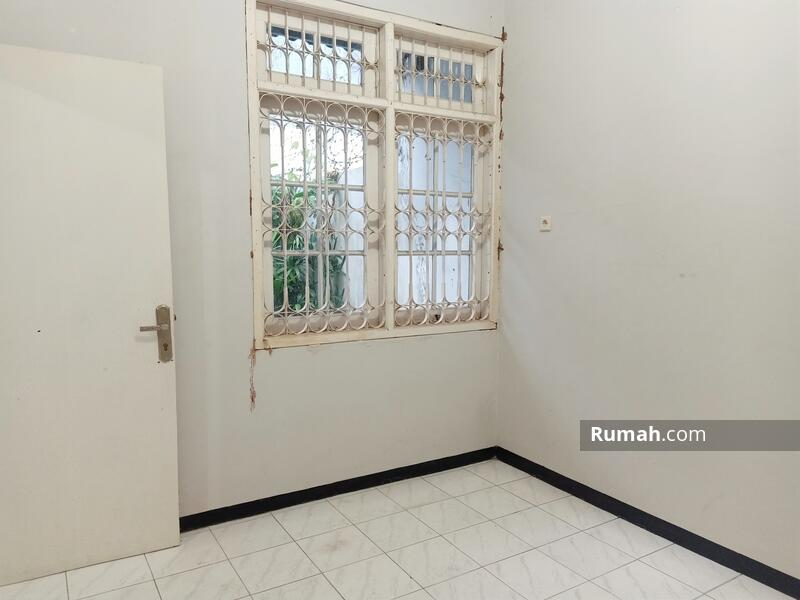 Rumah di solo baru #105836518