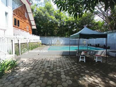 Dijual - Vila bagus di Bandung