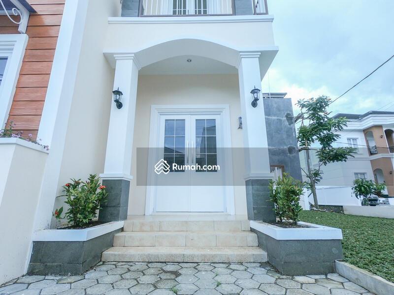 TERBATAS Rumah Berbagai desain bebas 15 menit Terminal Ledeng Setiabudi Lembang #102446208