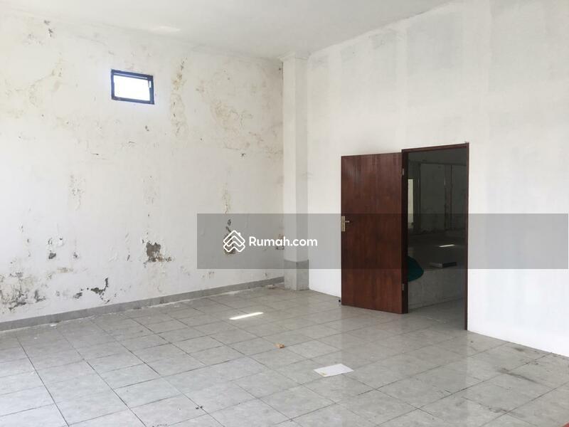Di jual Cepat Ruko Minimalis lantai 2 yg berlokasi di jln. R.A. Kartini Gianyar. #102449686