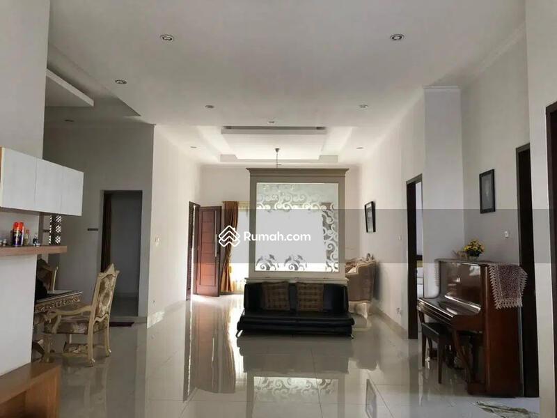 Rumah Tinggal Hoek Full Furnished Jl. Ring Road Utara, Sleman, Jogja #102600180