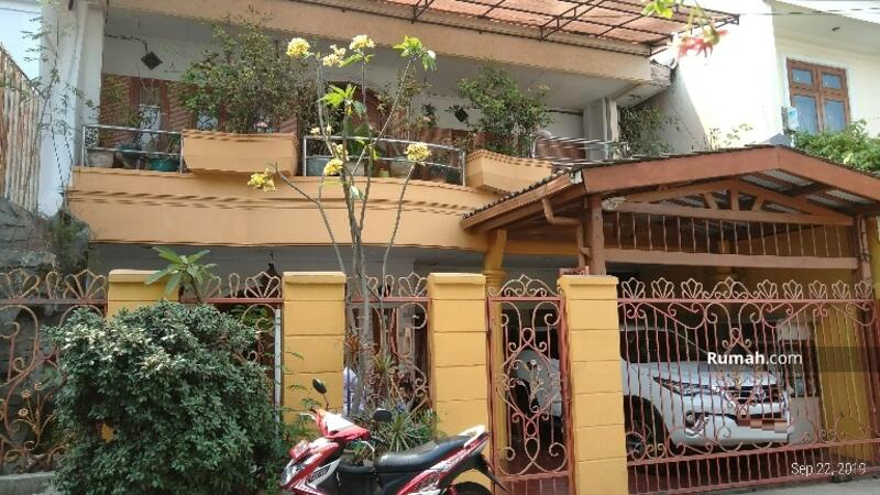 Rumah 2lantai siap huni luas 247m Type 5KT Rawamangun Jakarta Timur #102609436