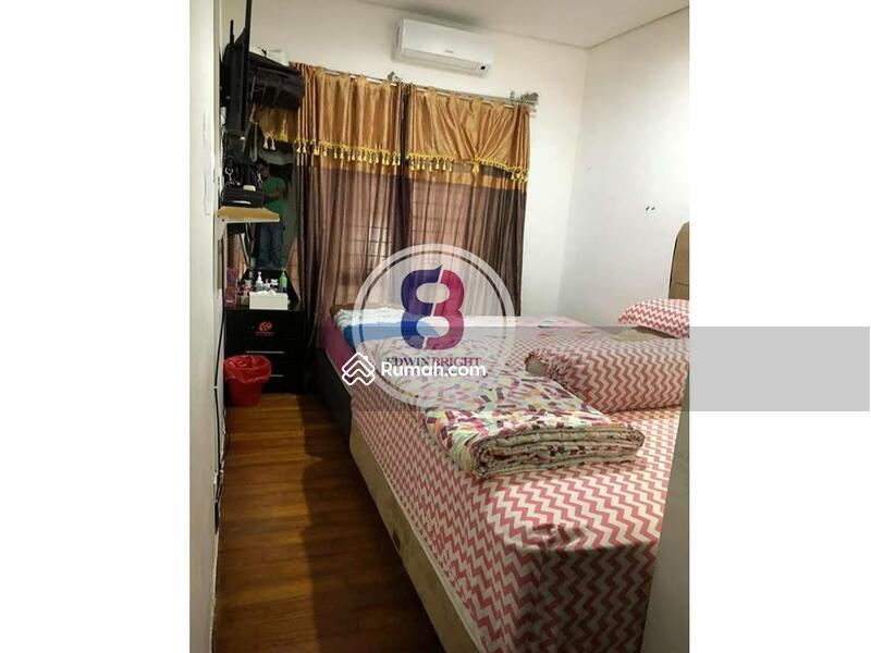 Rumah Dijual di Emerald District Bintaro Jaya Posisi Hoek Nyaman Cantik Terawat Bersih #102618012