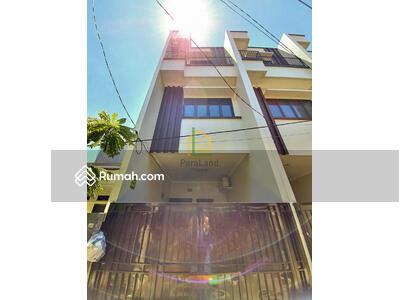 Dijual - Andre Tjhia- Tanjung Duren Rumah Baru 3 lantai, Jalan 1 mobil, langka