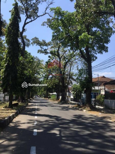 Tanah dan bangunan di jalan Cianjur sayap Riau lokasi bagus strategis #102661786