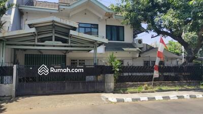 Dijual - Murah, Rumah Tua Hoek Hitung Tanah Pulomas Jakarta Timur