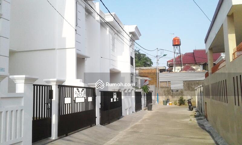 Rumah Mewah 2 Lantai di Pondok Kelapa siap huni  selangkah toll dan lrt #102885000