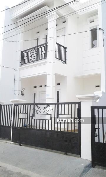 Rumah Mewah 2 Lantai di Pondok Kelapa siap huni  selangkah toll dan lrt #102885002