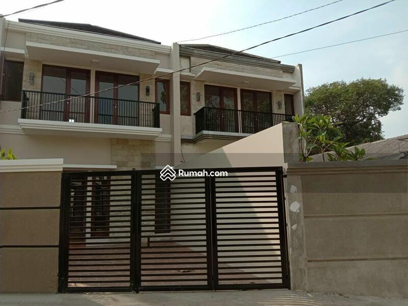 Rumah Mewah 2 Lantai Strategis di Jatibening #102886096