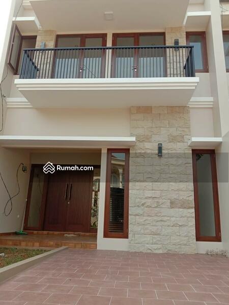 Rumah Mewah 2 Lantai Strategis di Jatibening #102886100