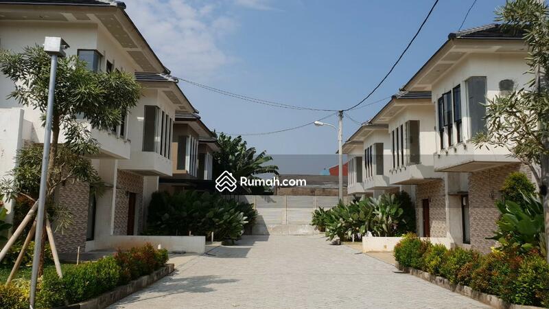 Rumah Mewah Siap Huni Strategis,Bata merah, bebas banjir #102887158