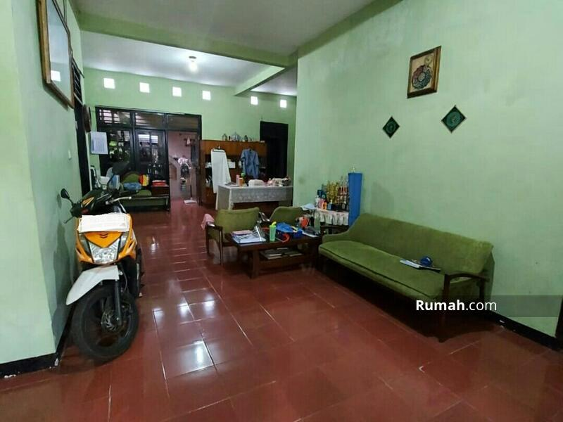 Rumah 2 lantai Lokasi Strategis Di Klender Jakarta Timur #102926846