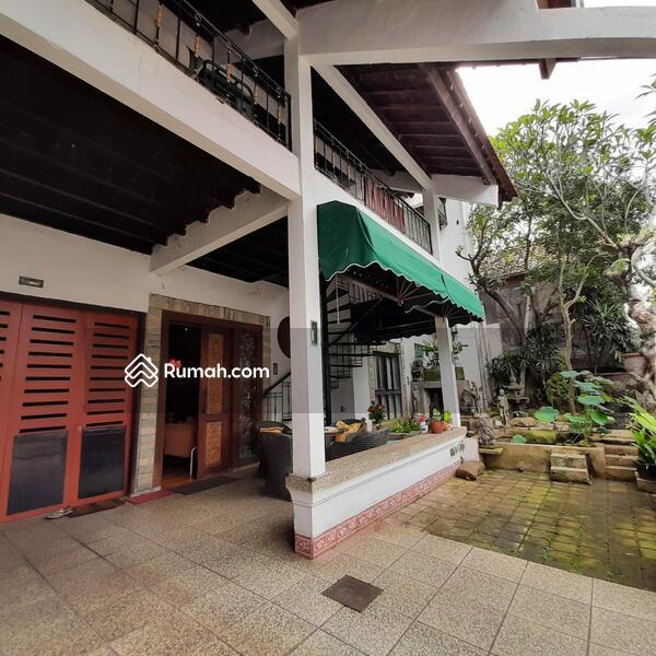 Rumah 3 Lantai Strategis di Lebak Bulus Jakarta Selatan #102983428