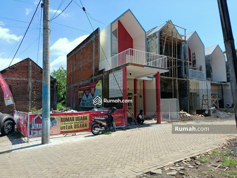 Rumah modern dekat bandara dan exit tol di malang #103015468