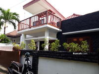 Disewa - For Lease house 2+1 bedrooms at Berawa full furnished