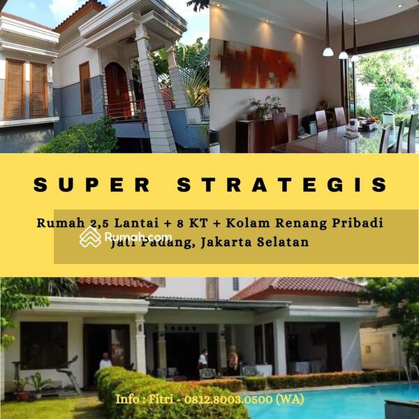 Rumah Mewah 2.5 Lantai Dengan Kolam Renang di Jati Padang #103225538