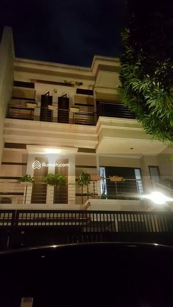 Rumah di Permata Buana 3 Lantai - Siap huni lokasi sangat nyaman , Furnish ! Bagus ! #103288844