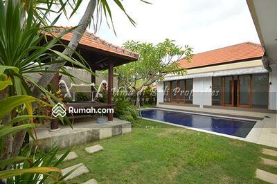 Dijual - Dijual Villa Modern Lantai Di Umalas Kerobokan Bali | AR 60
