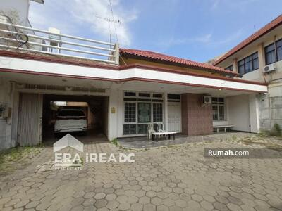 Disewa - Rumah tengah kota siap huni disewakan di Taman Beringin Semarang tengah