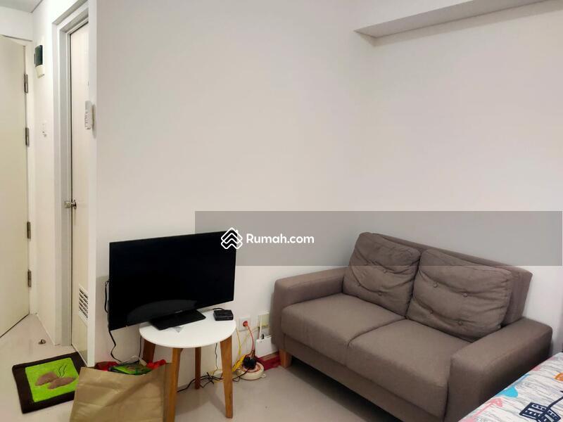 Sofa dan TV