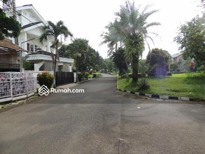 Dijual - Rumah Strategis 2 Lantai Akses Angkot