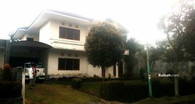 Dijual - Jual Cepat Rumah Villa Besar Di Komp. Graha Puspa
