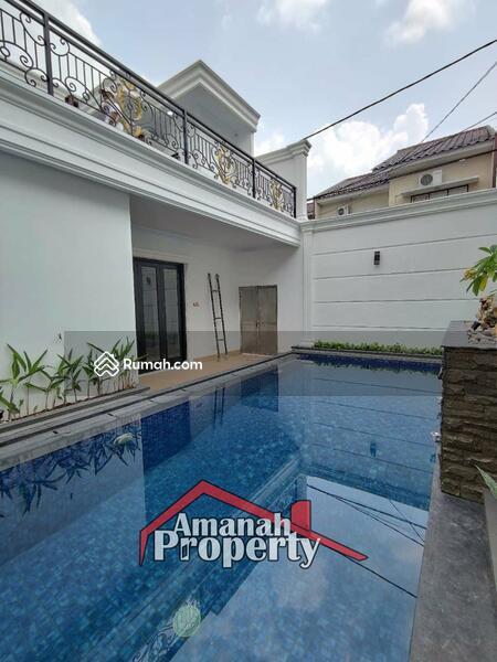 Rumah Konsep Classic Private Pool Cipedak Jagakarsa Jakarta Selatan #105107320