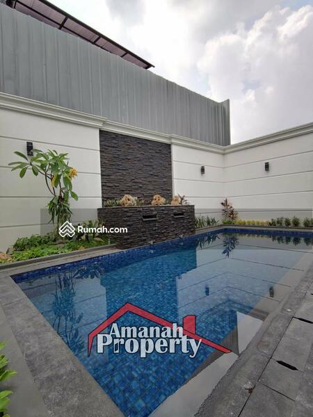 Rumah Konsep Classic Private Pool Cipedak Jagakarsa Jakarta Selatan #105107326