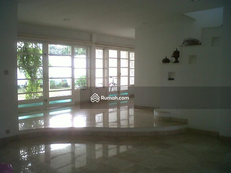 Disewakan rumah di beranda town house rempoa Tangerang selatan #103780082