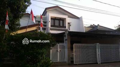 Dijual - Di Jual Rumah mewah ada Pool Pribadi dalam Komplek yang nyaman di Pulo Gebang Jakarta Timur