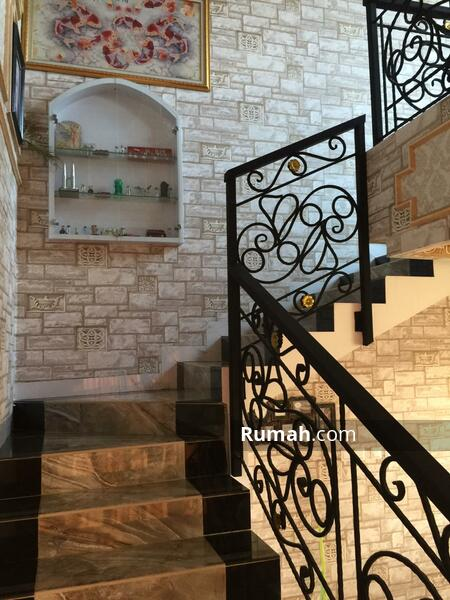 Rumah Murah Bergaya Klasik Modern di Gading Griya Lestari #103814350
