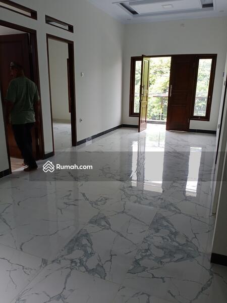 RUMAH 2 LANTAI MURAH DEKAT PINTU TOL DESARI SAWANGAN DEPOK #104128156