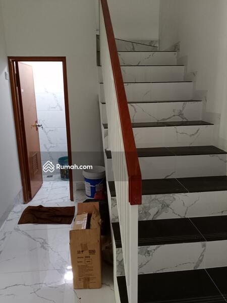 RUMAH 2 LANTAI MURAH DEKAT PINTU TOL DESARI SAWANGAN DEPOK #104128164
