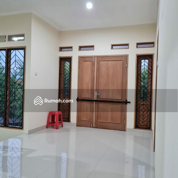 FOR RENT : Rumah Terawat di Tengah Kota di Jl Rajawali Sakti Permai #104156782