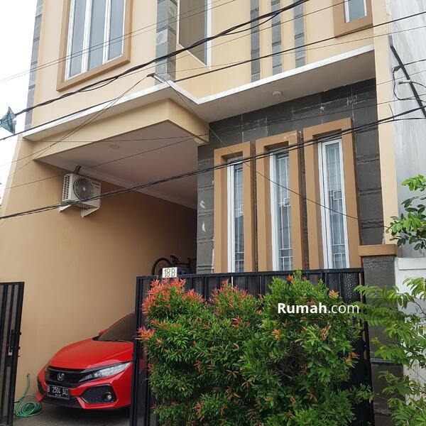 Rumah dengan model elite lokasi sangat strategis dan dekat jalan tol jakarta barat kebon jeruk #104172258