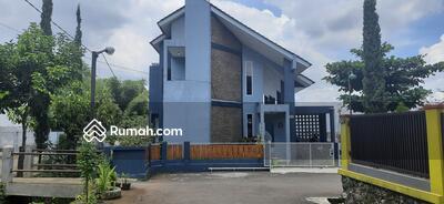 Dijual - Rumah cantik 2 lantai Perumahan Mandala Permai cimenyan dekat ke kota Bandung